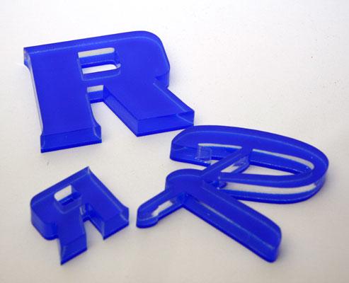 3D-Profilbuchstaben Acryl 10mm klar und 3mm farbig