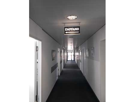 LED-Leuchtschild Empfang für Deckenmontage