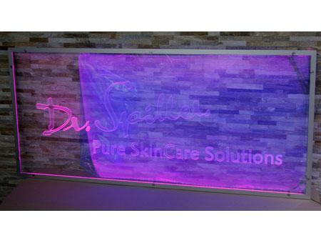 RGB-Leuchtschild pink
