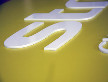 3D-Buchstaben Acryl durchgefärbt 5mm